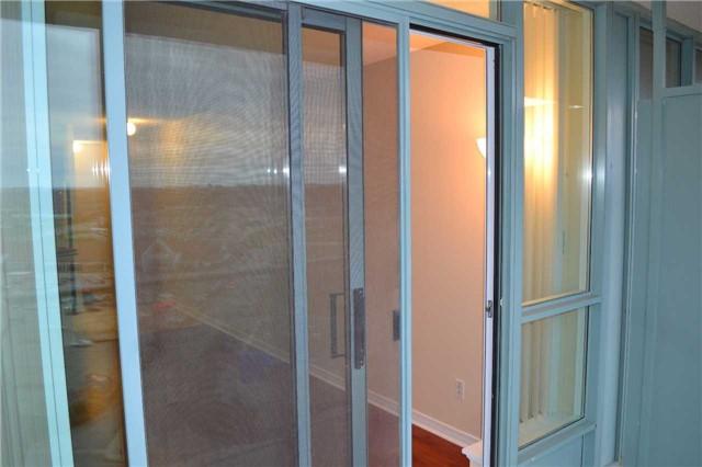 Condo Apartment at 4889 Kimbermount Ave S, Unit 1611, Mississauga, Ontario. Image 13
