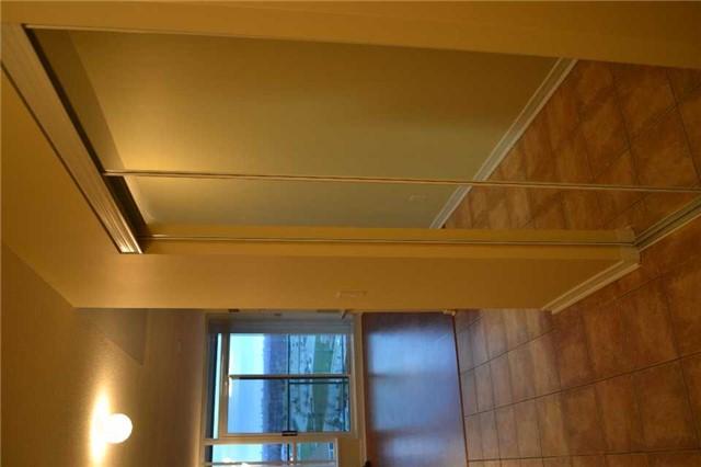 Condo Apartment at 4889 Kimbermount Ave S, Unit 1611, Mississauga, Ontario. Image 18