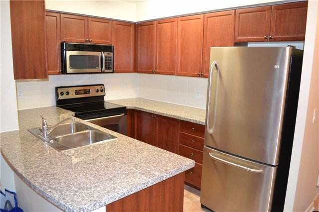 Condo Apartment at 4889 Kimbermount Ave S, Unit 1611, Mississauga, Ontario. Image 2