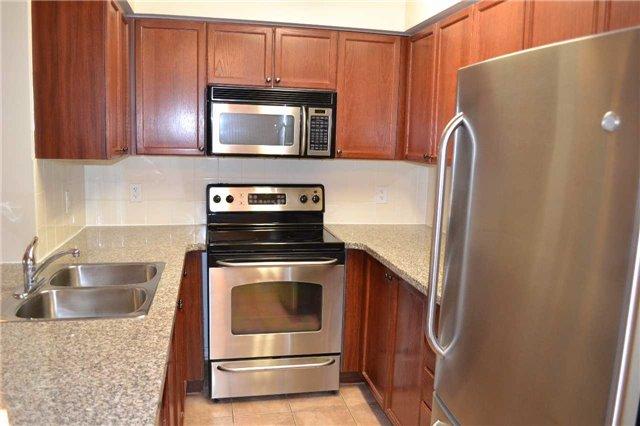 Condo Apartment at 4889 Kimbermount Ave S, Unit 1611, Mississauga, Ontario. Image 3