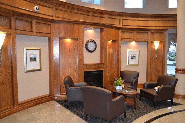 Condo Apartment at 4889 Kimbermount Ave S, Unit 1611, Mississauga, Ontario. Image 6