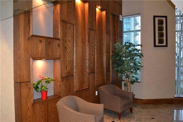 Condo Apartment at 4889 Kimbermount Ave S, Unit 1611, Mississauga, Ontario. Image 7