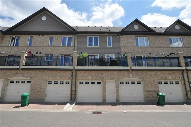 Condo Townhouse at 2895 Hazelton Pl, Unit 13, Mississauga, Ontario. Image 8