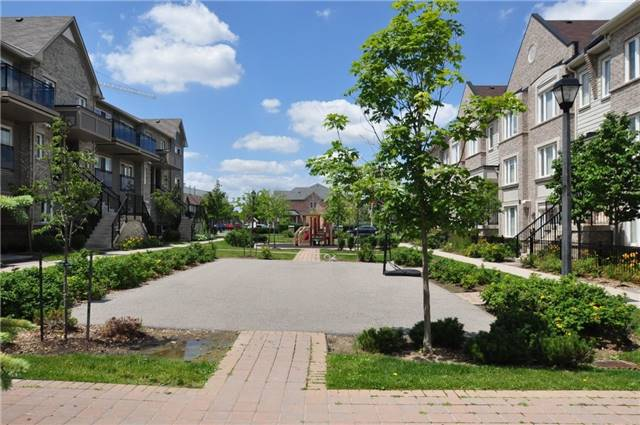 Condo Townhouse at 2895 Hazelton Pl, Unit 13, Mississauga, Ontario. Image 9