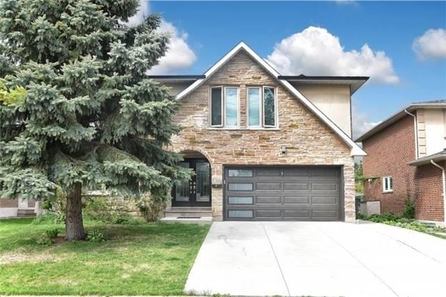 Detached at 2393 Chilsworthy Ave, Mississauga, Ontario. Image 1