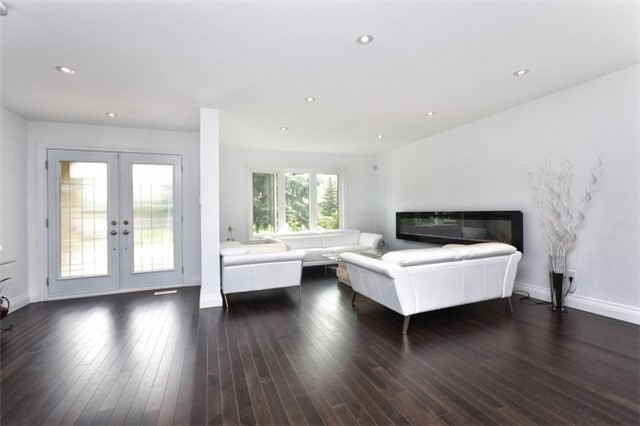 Detached at 2393 Chilsworthy Ave, Mississauga, Ontario. Image 16