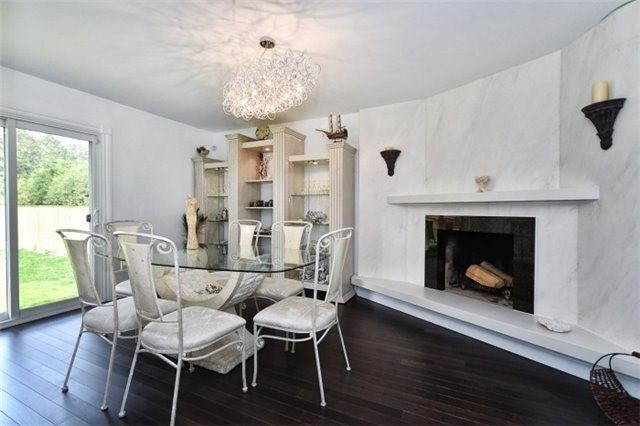 Detached at 2393 Chilsworthy Ave, Mississauga, Ontario. Image 17