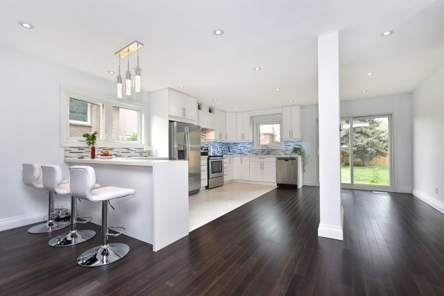 Detached at 2393 Chilsworthy Ave, Mississauga, Ontario. Image 19