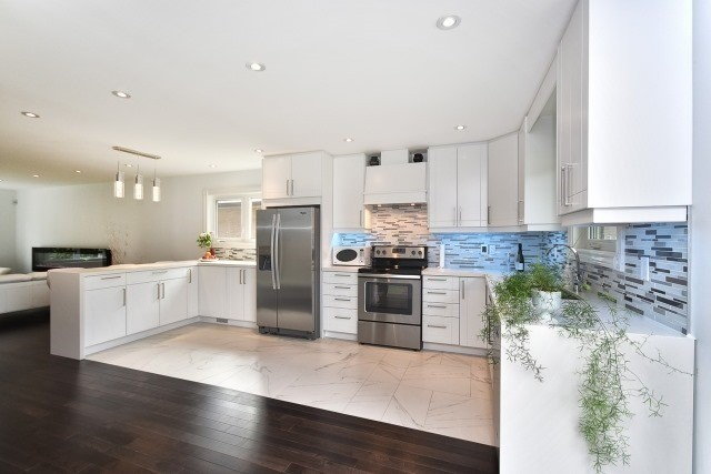 Detached at 2393 Chilsworthy Ave, Mississauga, Ontario. Image 20