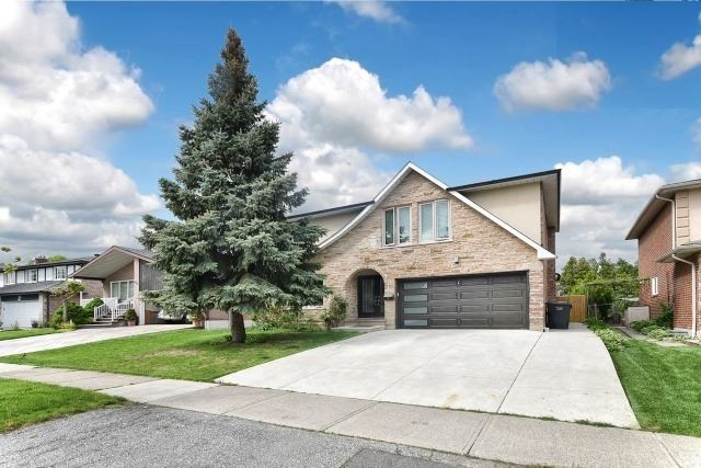 Detached at 2393 Chilsworthy Ave, Mississauga, Ontario. Image 10