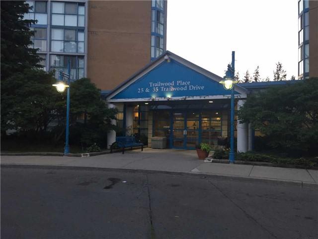 Condo Apartment at 35 Trailwood Dr, Unit 2117, Mississauga, Ontario. Image 1