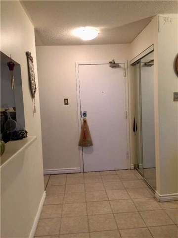 Condo Apartment at 35 Trailwood Dr, Unit 2117, Mississauga, Ontario. Image 12