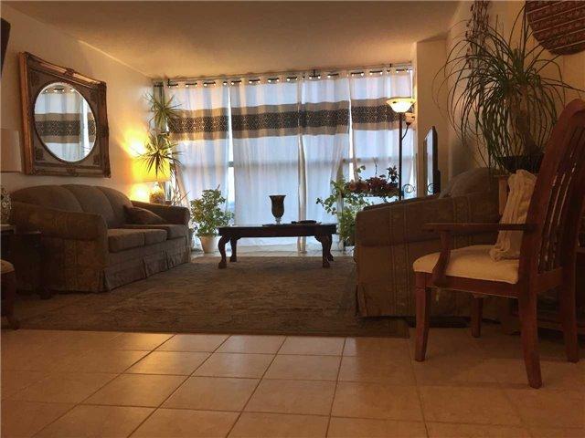 Condo Apartment at 35 Trailwood Dr, Unit 2117, Mississauga, Ontario. Image 15