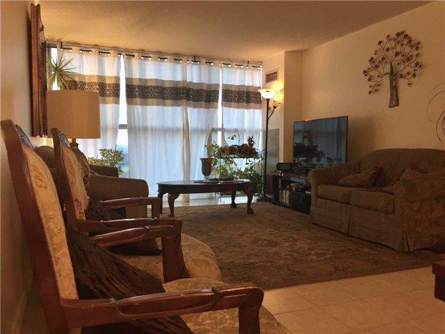 Condo Apartment at 35 Trailwood Dr, Unit 2117, Mississauga, Ontario. Image 16