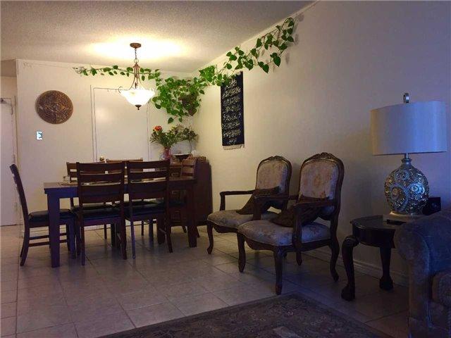 Condo Apartment at 35 Trailwood Dr, Unit 2117, Mississauga, Ontario. Image 17