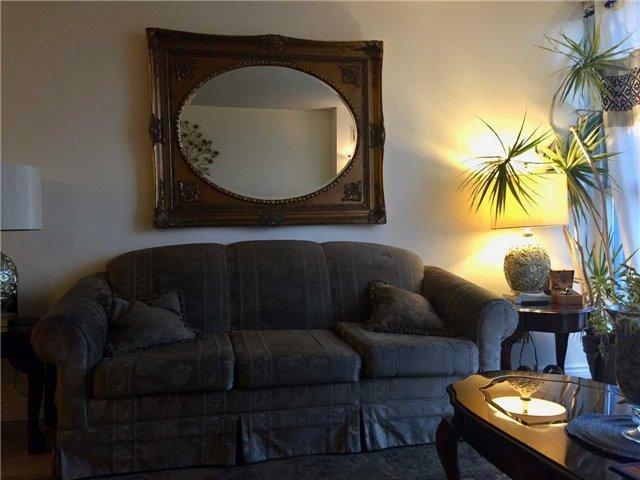 Condo Apartment at 35 Trailwood Dr, Unit 2117, Mississauga, Ontario. Image 18