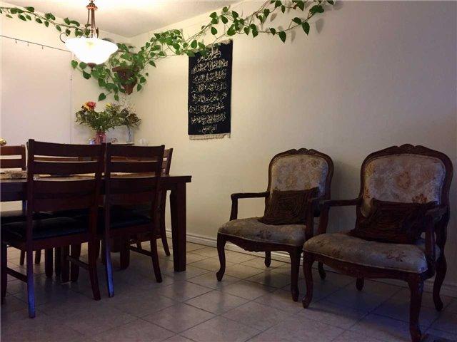 Condo Apartment at 35 Trailwood Dr, Unit 2117, Mississauga, Ontario. Image 2