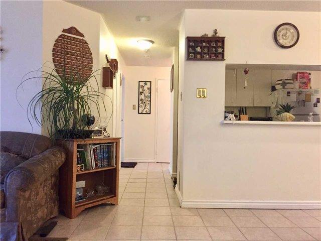 Condo Apartment at 35 Trailwood Dr, Unit 2117, Mississauga, Ontario. Image 4