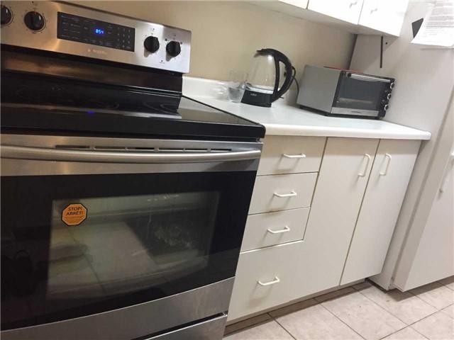 Condo Apartment at 35 Trailwood Dr, Unit 2117, Mississauga, Ontario. Image 5