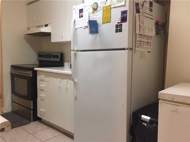 Condo Apartment at 35 Trailwood Dr, Unit 2117, Mississauga, Ontario. Image 6