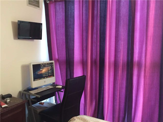 Condo Apartment at 35 Trailwood Dr, Unit 2117, Mississauga, Ontario. Image 9