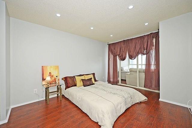 Condo Apartment at 3605 Kariya Dr, Unit Ph1, Mississauga, Ontario. Image 7