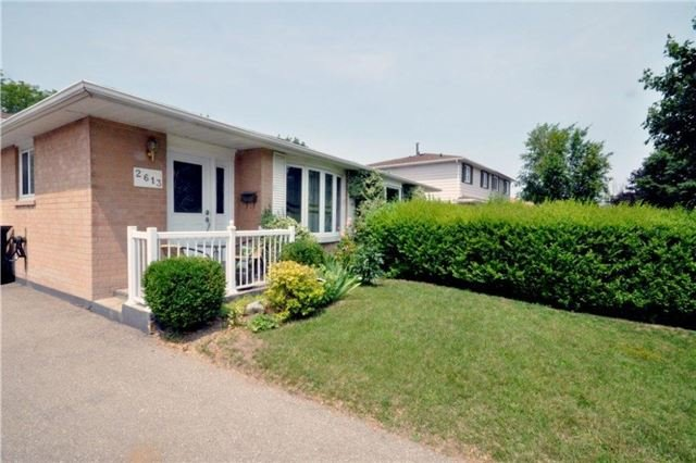 Semi-detached at 2613 Widemarr Rd, Mississauga, Ontario. Image 12
