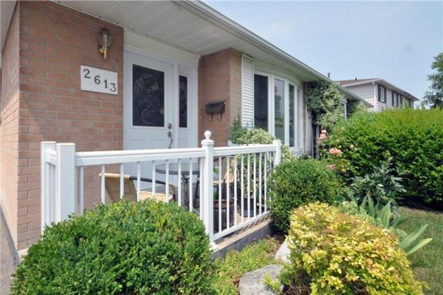 Semi-detached at 2613 Widemarr Rd, Mississauga, Ontario. Image 14