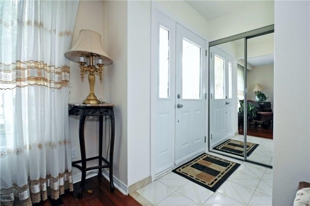 Semi-detached at 2613 Widemarr Rd, Mississauga, Ontario. Image 15