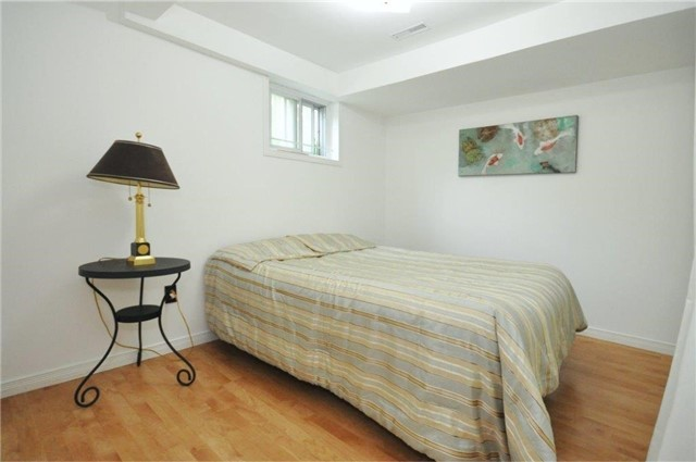 Semi-detached at 2613 Widemarr Rd, Mississauga, Ontario. Image 13
