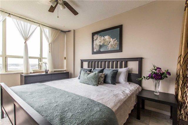Condo Apartment at 30 Malta Ave, Unit 1404, Brampton, Ontario. Image 15