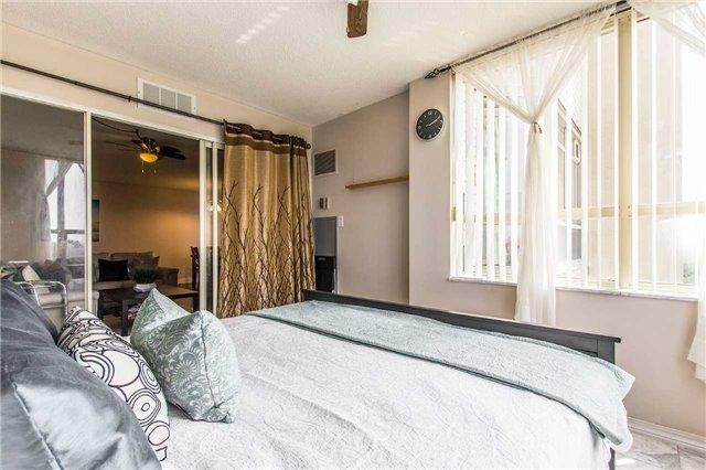 Condo Apartment at 30 Malta Ave, Unit 1404, Brampton, Ontario. Image 16