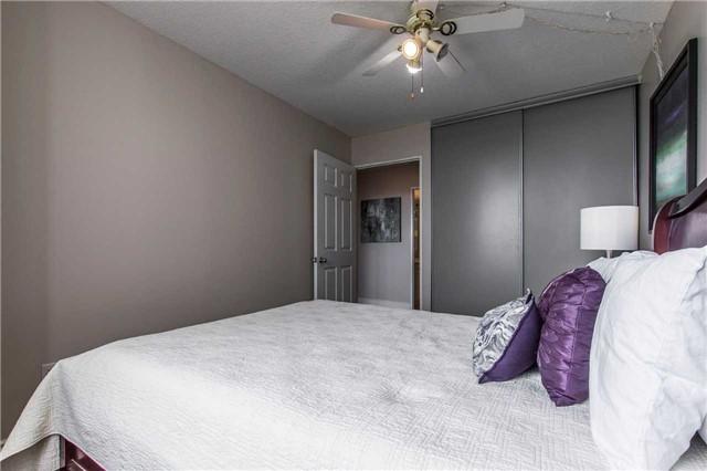 Condo Apartment at 30 Malta Ave, Unit 1404, Brampton, Ontario. Image 3