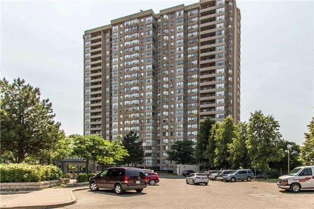 Condo Apartment at 30 Malta Ave, Unit 1404, Brampton, Ontario. Image 8