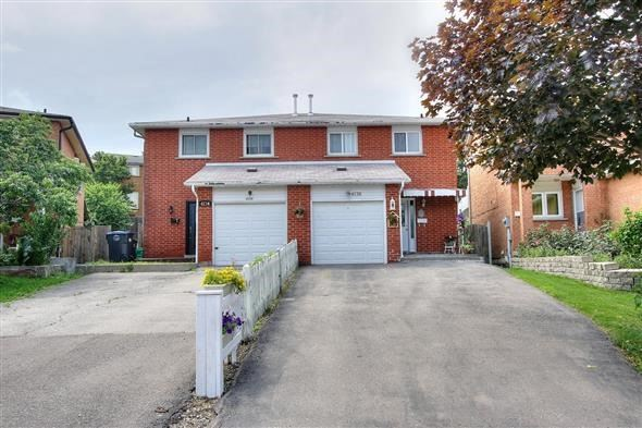 Semi-detached at 4136 Clevedon Dr, Mississauga, Ontario. Image 1