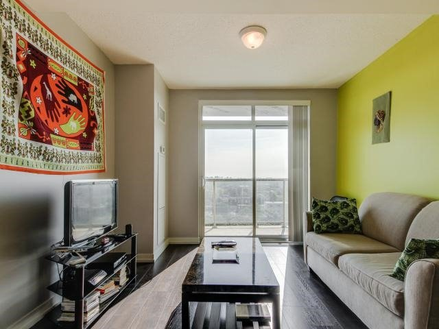 Condo Apartment at 812 Lansdowne Ave, Unit 1112, Toronto, Ontario. Image 14