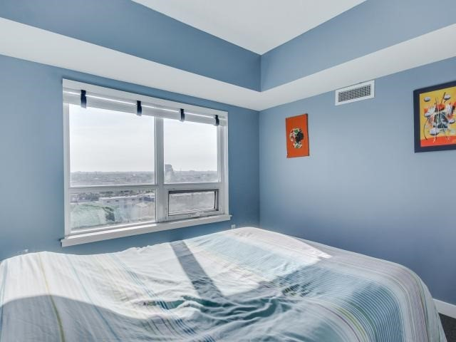 Condo Apartment at 812 Lansdowne Ave, Unit 1112, Toronto, Ontario. Image 4