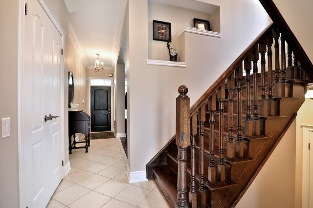 Detached at 3343 Whilabout Terr, Oakville, Ontario. Image 12