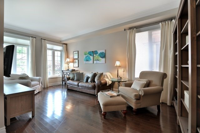 Detached at 3343 Whilabout Terr, Oakville, Ontario. Image 14