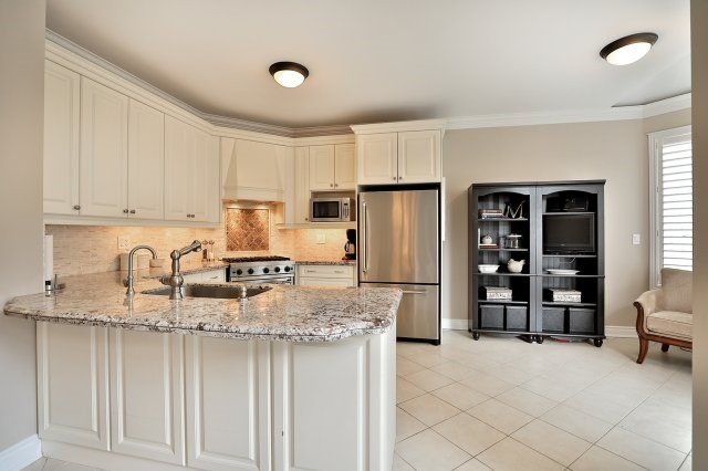 Detached at 3343 Whilabout Terr, Oakville, Ontario. Image 17