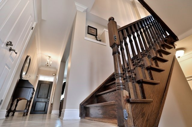 Detached at 3343 Whilabout Terr, Oakville, Ontario. Image 3