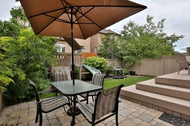 Detached at 3343 Whilabout Terr, Oakville, Ontario. Image 13