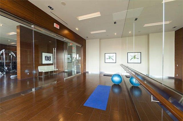 Condo Apartment at 1 Valhalla Inn Rd, Unit 1410, Toronto, Ontario. Image 4