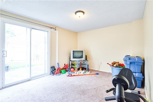 Condo Townhouse at 318 Laurier Ave, Unit 37, Milton, Ontario. Image 12