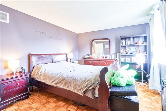 Condo Townhouse at 318 Laurier Ave, Unit 37, Milton, Ontario. Image 7