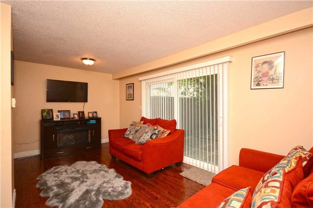 Condo Townhouse at 3175 Kirwin Ave, Unit 44, Mississauga, Ontario. Image 17