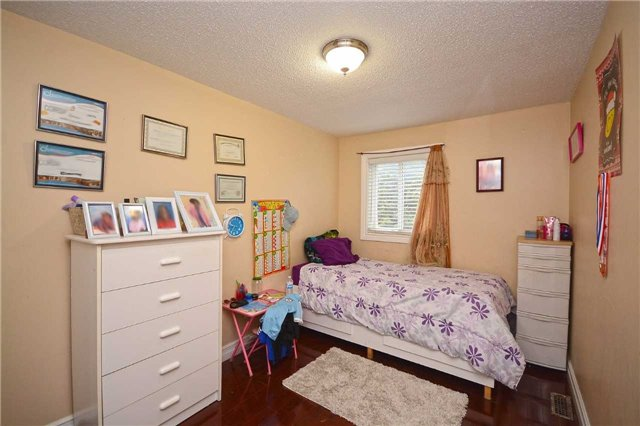 Condo Townhouse at 3175 Kirwin Ave, Unit 44, Mississauga, Ontario. Image 5