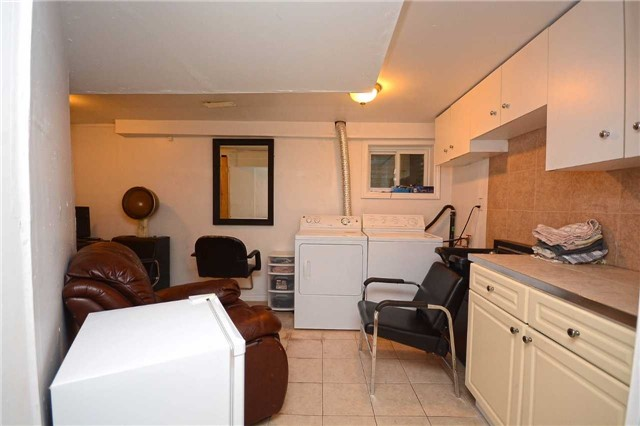 Condo Townhouse at 3175 Kirwin Ave, Unit 44, Mississauga, Ontario. Image 7