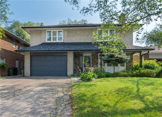 Detached at 15 Thicket Rd, Toronto, Ontario. Image 1