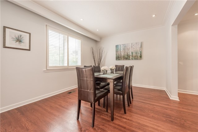 Detached at 15 Thicket Rd, Toronto, Ontario. Image 15